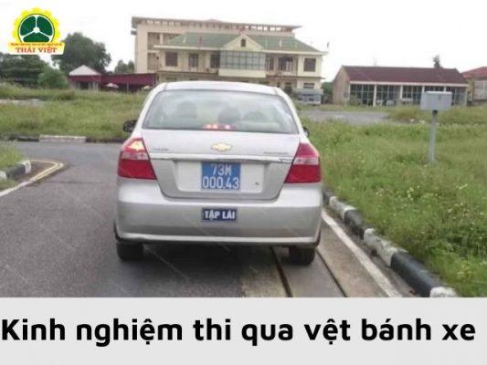 Kinh-nghiem-thi-B2-qua-vet-banh-xe
