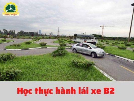 Hoc-thuc-hanh-lai-xe-B2