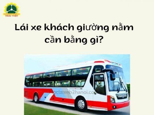 Lai-xe-khach-giuong-nam-can-bang-gi